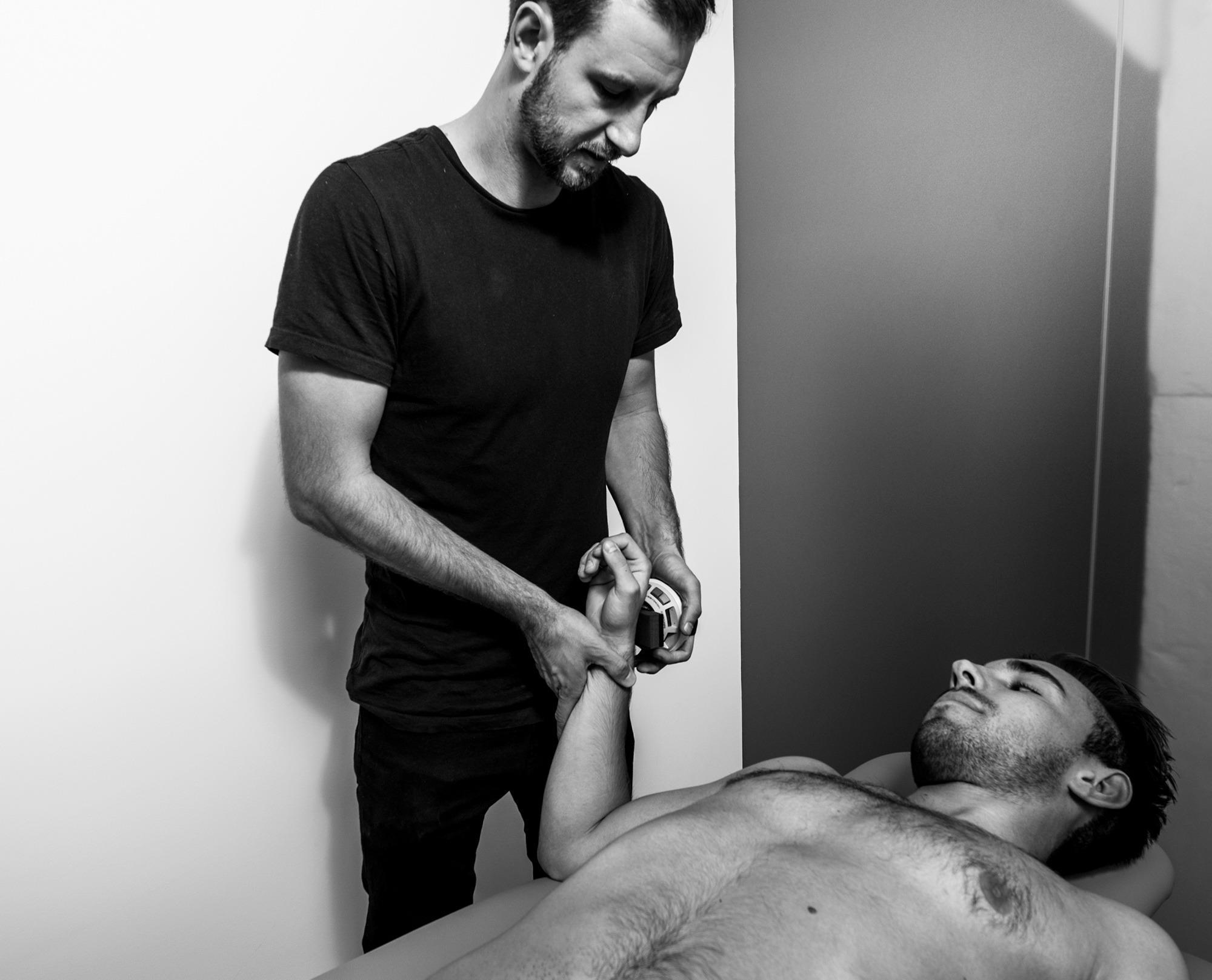 Test af skuldersmerter hos fysioterapeut i Sportsfysioterapien