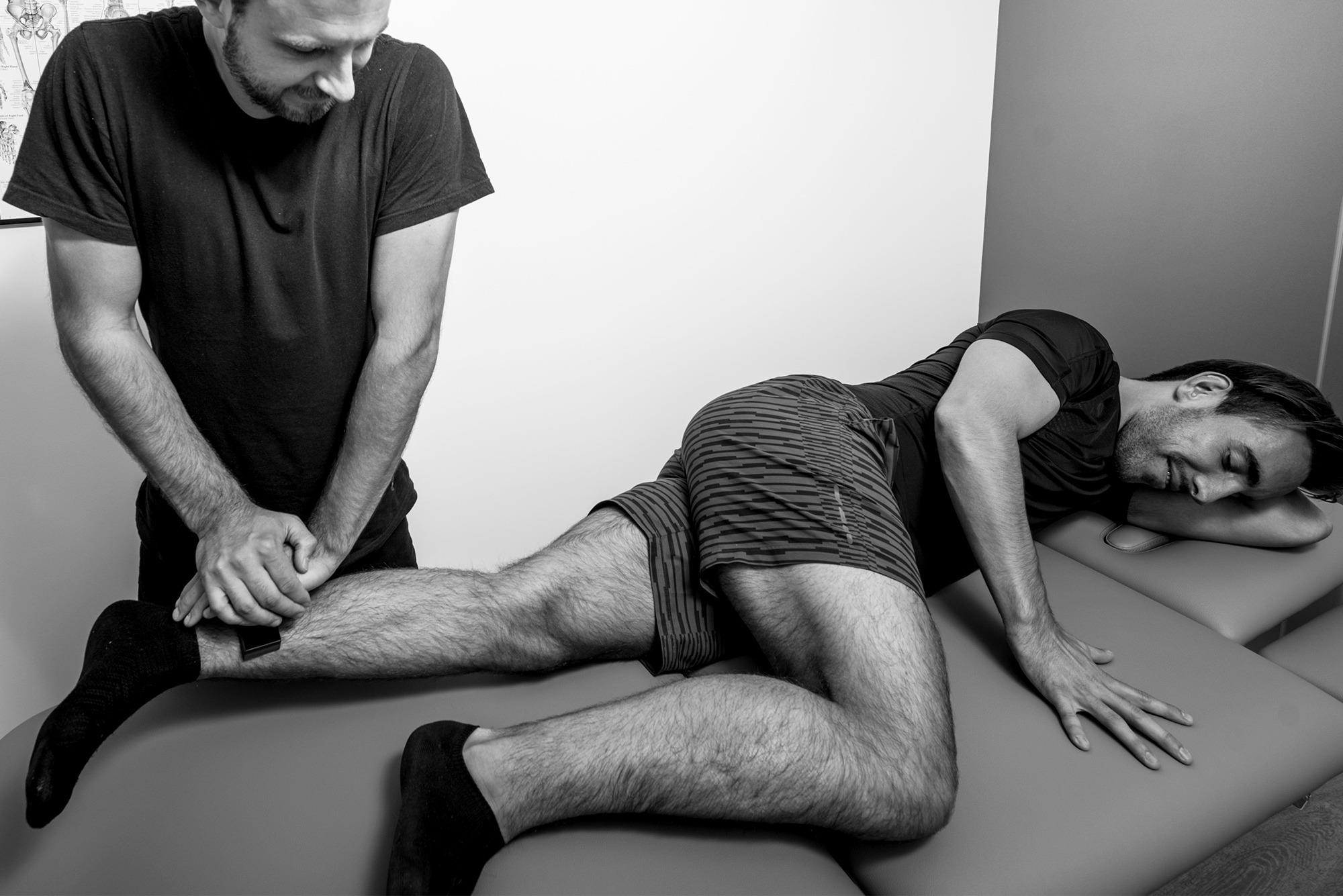 undersøgelse-muskelstyrke-lyskesmerter